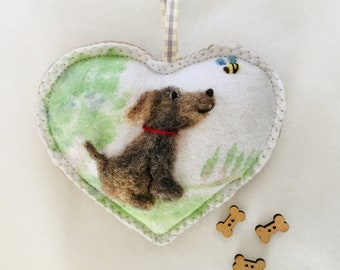 Dog needle felted heart with hand painted background *Free Shipping*personalised with name.