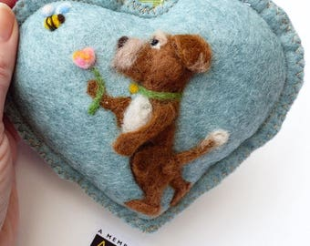 Needle felted dog with a flower talking to bee, felted heart -felted heart gift, scented / personalised -
