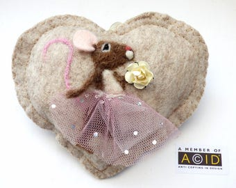 Felted bridesmade mouse heart gift, Personalised felt Heart hanging decoration, needle felted mouse - scented heart