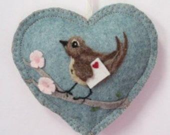 Needle felted message bird Heart , Valentine love letter with blossom, lavender scented, personalised with name. Mother's day