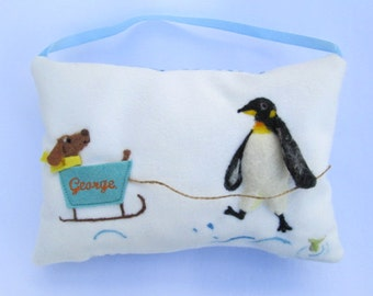 Penguin design tooth fairy pillow, personalized girls and boys tooth pillow. Needle felted penguinl. Tooth pouch with name. Tooth cushion