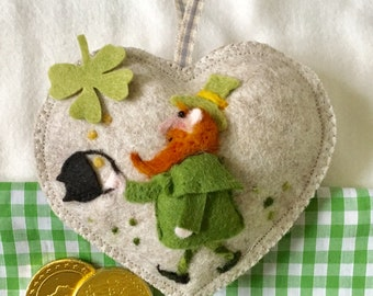 ST.Patrick's Day Irish Leprechaun decoration needle felted heart gift