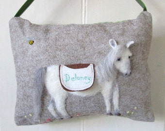 Felted Horse personalized tooth fairy pillow. Hanging tooth fairy pony cushion with name, tooth pouch for girls and boys, tooth fairy