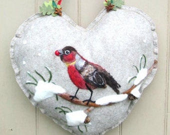 Large Heart Wreath, Needle felted bird in the snow Heart hanging decoration, Felted Wall Art Piece