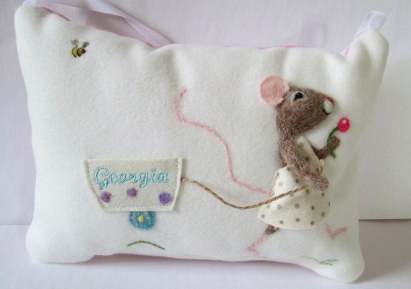 Girls Tooth Fairy Pillow Personalized Tooth Fairy Pillow Needle Felted Mouse Personalized With Child S Name Pillow Tooth Cushion