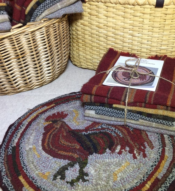"Primitive Rug Hooking Kit for ""Herald the Rooster"" Chicken Chair Pad  14"" Round  K130"
