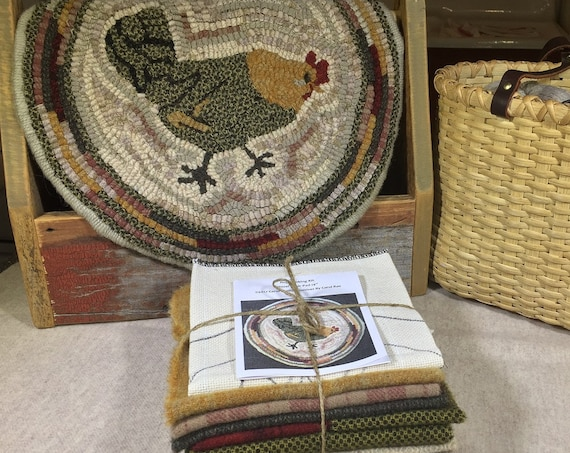 "Primitive Rug Hooking Kit for ""Hazel"" Chicken Chair Pad  14"" Round  K124"