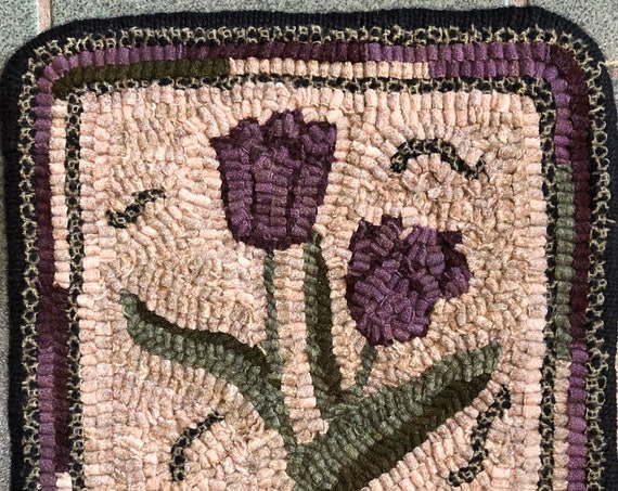 "Rug Hooking Pattern for  10"" Tulip Mat, on Monks Cloth or Primitive Linen, floral table or dresser mat, trivet, wall hanging P175"