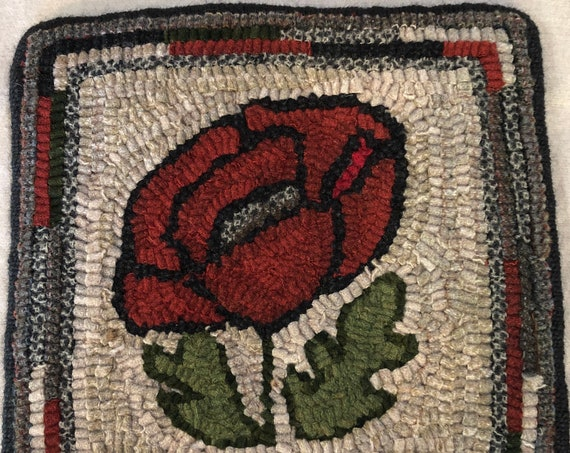 "Rug Hooking Pattern for  10"" Poppy Mat, on Monks Cloth or Primitive Linen, floral table or dresser mat, trivet, wall hanging P174"