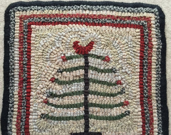 "Rug Hooking Pattern, Feather Tree Mat,  9"" x 9""  P123"