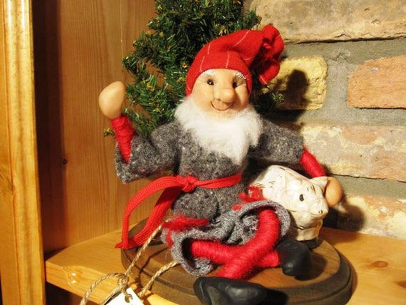 Folk Dolls, Scandinavian Primitive Nisse, Handmade sculpted face, Clothing hand sewn from wool fabric, D5