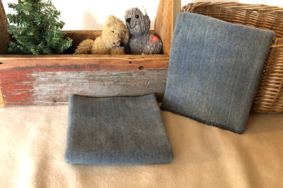 Great Lakes Blue Herringbone,Hand-Dyed Wool Fabric for Rug Hooking, Applique, Penny Rugs,  Fat 1/4 Yard,Dusty,Gray Blue, Primitive Blue W426