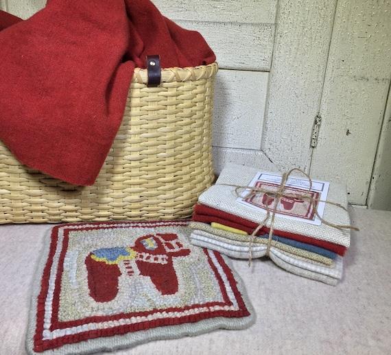 "Primitive Rug Hooking Kit , Dala Horse Mat, 8"" x 8"", K 120"