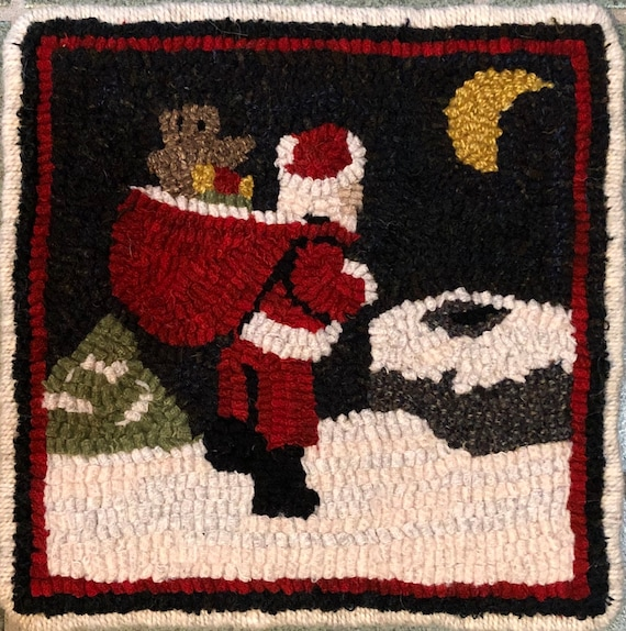 "Rug Hooking Pattern, Santa on the Rooftop Mat, 8"" x 8""  P165"