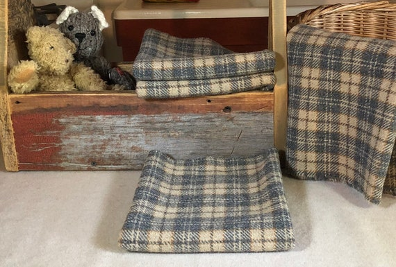 Gray and Tan Plaid, Mill Dyed 100% Wool Fabric for Rug Hooking, Applique, Penny Rugs, Fiber Arts, Tea and Biscuits, Fat Quarter Yard  W405
