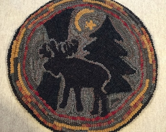 """Rug Hooking Pattern for """"Moonlight Moose"""" Chair Pad, on Monks Cloth or Primitive Linen, P112"""