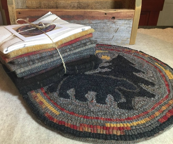 """Rug Hooking Kit for """"Moonlight Bear"""" Chair Pad,  14"""" Round K111"""