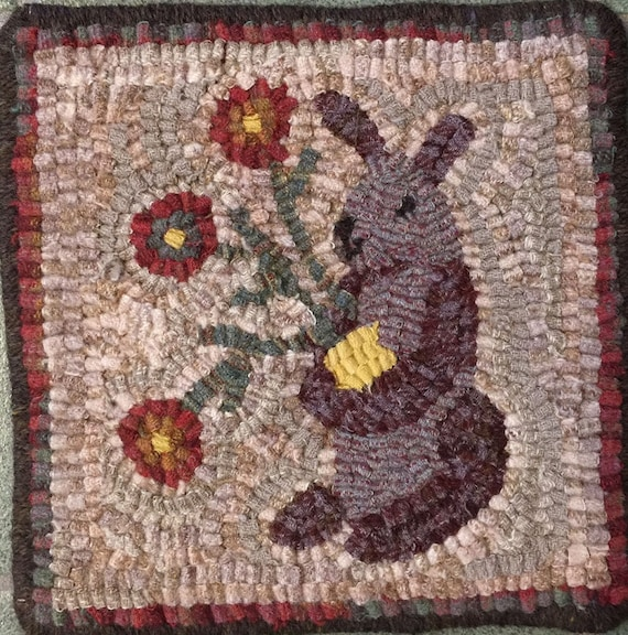 "Rug Hooking Pattern, Lilac the Spring Bunny, 8"" x 8""  P145"