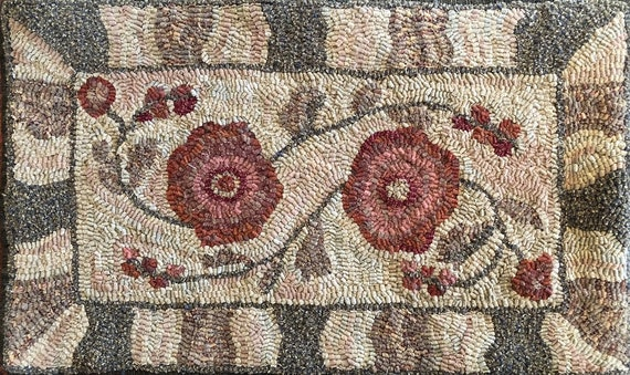 "Rug Hooking Pattern, Abby Floral,  14""x 24"" Primitive Floral Hooked Rug, Floral Table Mat, Floral and Geometric Mix, P164"