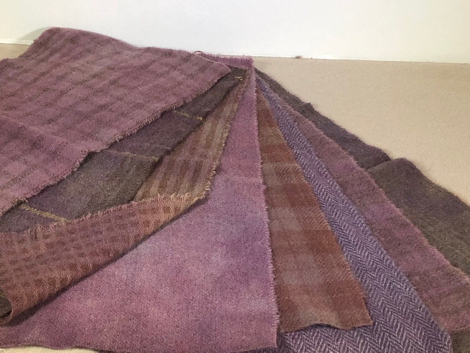 Primitive Lavender Hand Dyed Wool Fabric For Rug Hooking Dusty Purple Violet Applique Penny