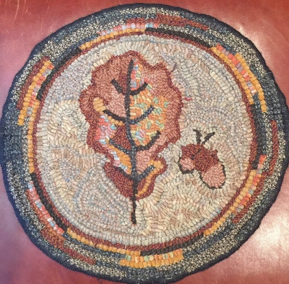 "Primitive Rug Hooking Pattern for ""Oak Leaf"" Chair Pad  14"" Round/Fall Hooked Rug/Primitive Chair Pad/ Hooked Table Mat/Pillow  P160"