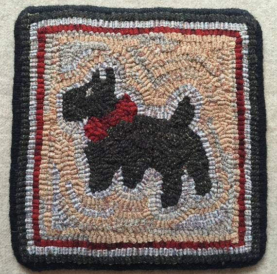 "Rug Hooking Pattern, Scottie Mat 9"" x 9"", P122"