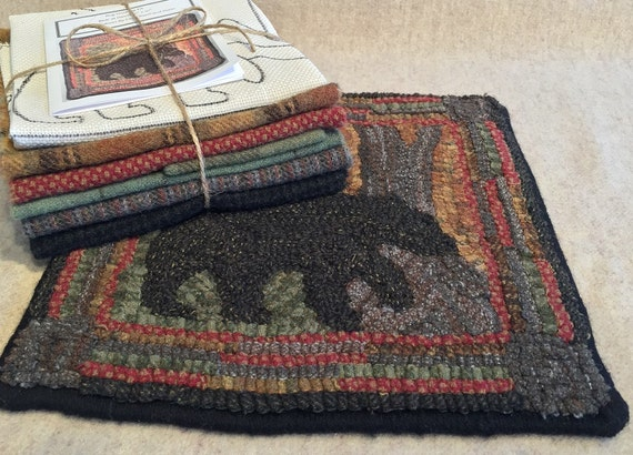 "Primtive Rug Hooking Kit , ""Bear at Dawn""  10"" x 10"", K 103"