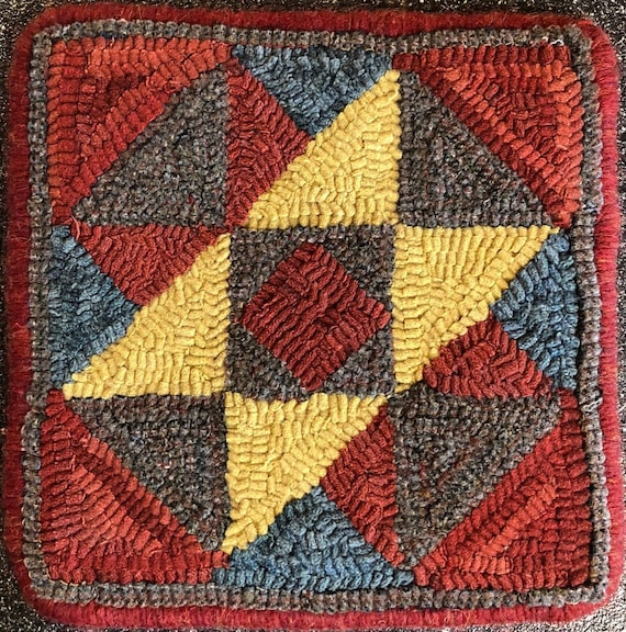 "Rug Hooking Pattern, Quilt Square, Towers of Camelot     10"" x 10"", P162"