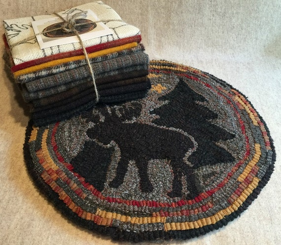 "Primitive Rug Hooking Kit for ""Moonlight Moose"" Chair Pad  14"" Round  K112"