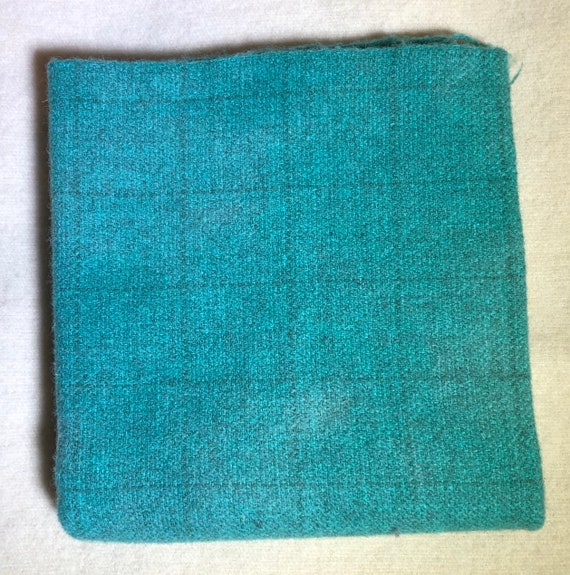 Bright Jade Windowpane, HandDyed Wool Fabric for Rug Hooking, Applique, Penny Rugs, Fiber Art, Vivid Turquoise  1 Quarter Yd W457