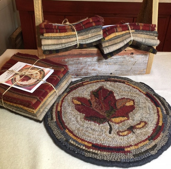 "Primitive Rug Hooking Kit for ""Maple Leaf"" Chair Pad  14"" Round/Fall Hooked Rug/Primitive Chair Pad/ Hooked Table Mat/Pillow K140"