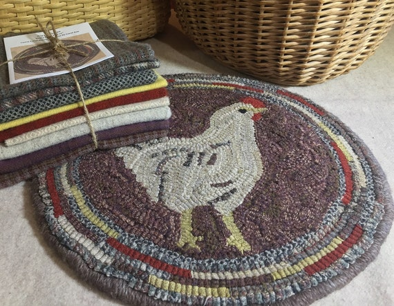 "Primitive Rug Hooking Kit for ""Hetty"" Chicken Chair Pad 14"" Round  K115"