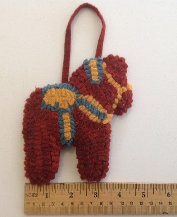 Primitive hooked Dala Horse Ornament O101