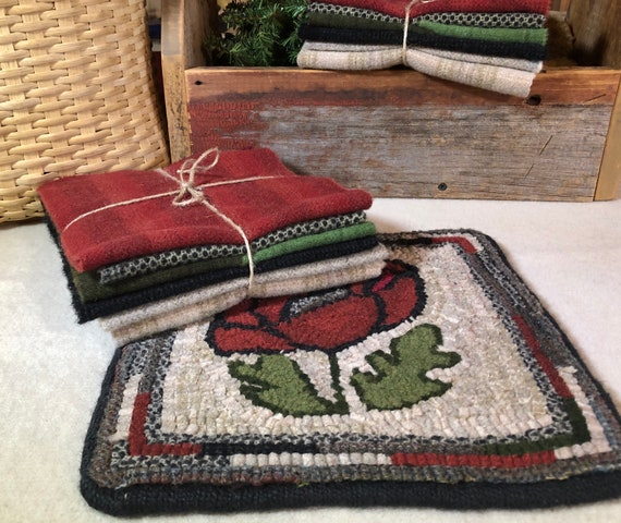 "Rug Hooking Kit for 10"" Poppy Mat, on Monks Cloth or Primitive Linen, floral table or dresser mat, trivet, wall hanging P174"