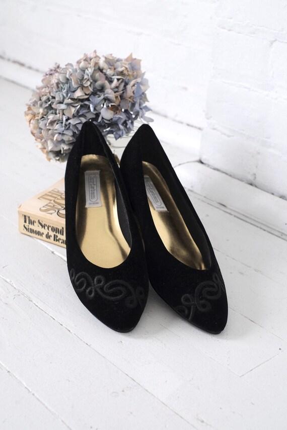 Velvet Kitten Heels Size 10  - image 2