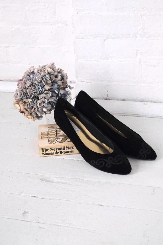 Velvet Kitten Heels Size 10