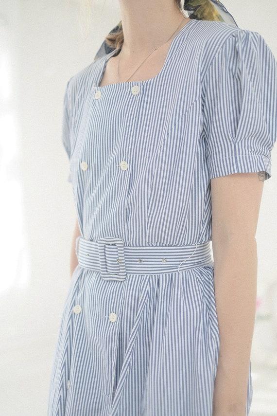 Seersucker Puff Sleeve Dress - image 10