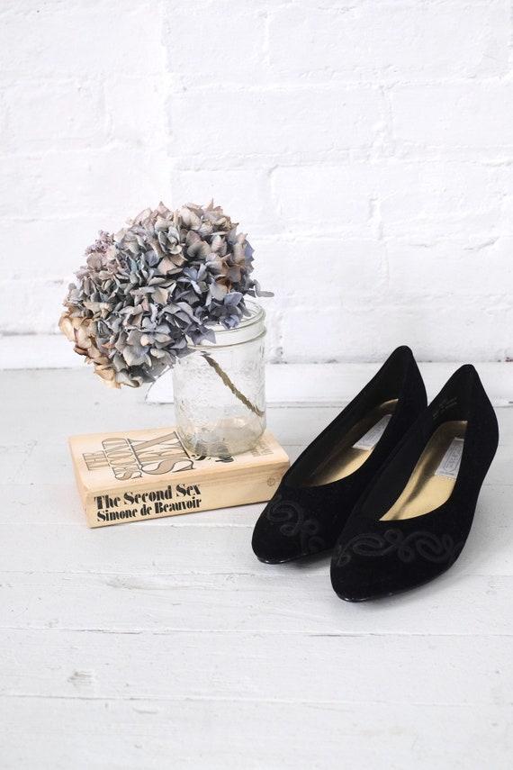 Velvet Kitten Heels Size 10  - image 3