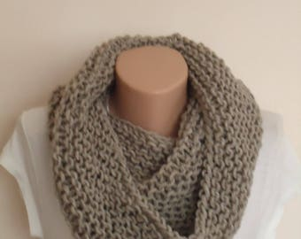 Mother's day gift /Taupe knite scarf / Knit scarf /  knit snood / taupe knit scarf / looseknit taupe snood/Beige knit infinity scarf