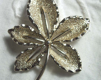 Vintage Goldplate Sarah Coventry Pin Jewelry Brooch Leaf MAD MEN Retro Shabby Chic