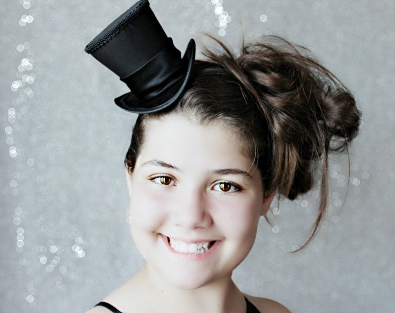 Black Mini Top Hat  Black Hat Fascinator Wedding Top Hat  image 0