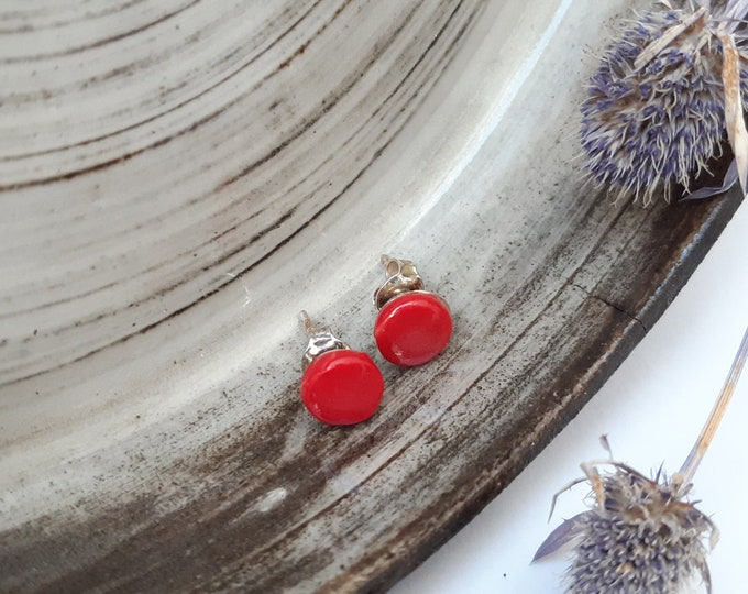 Glossy red little round porcelain studs