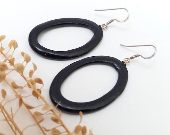 BLack glossy ovale ceramic earrings