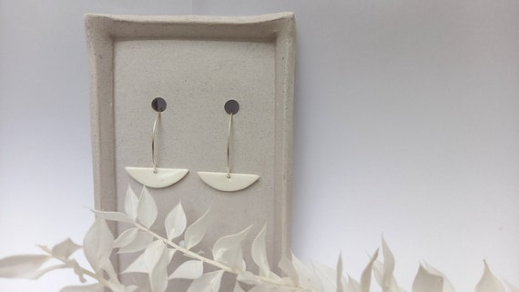 The white moon pearl on long real silver earrings