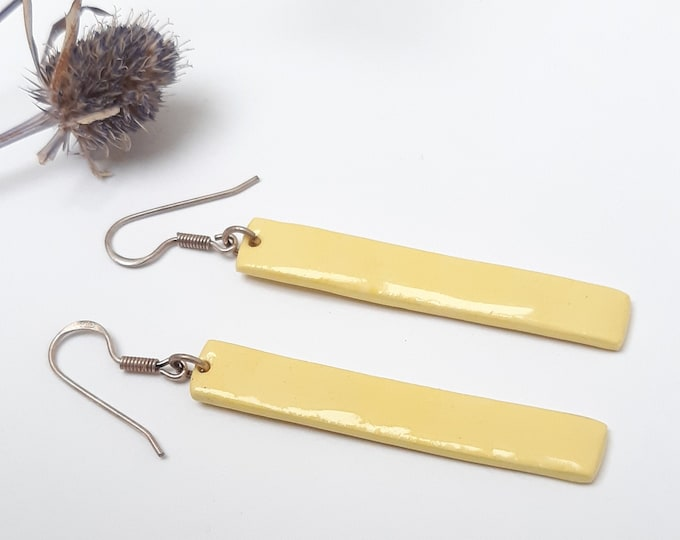 Pale yellow rectangular sticks porcelain/ceramic pearls on real silver (AG925) ear hooks