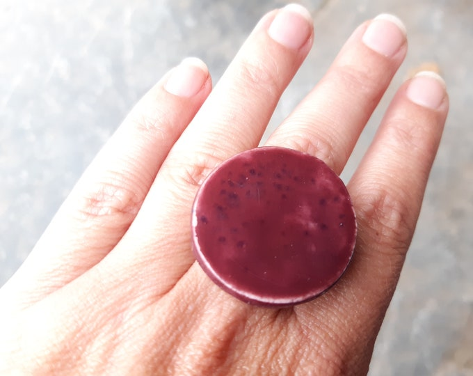 Big dark purple ceramic ring, glossy
