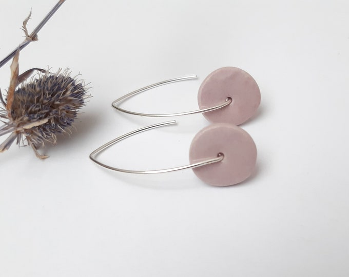 Long earring: round slice pastel purple
