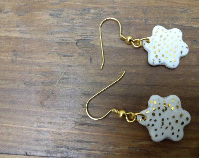 Porcelain flower gold spots earring