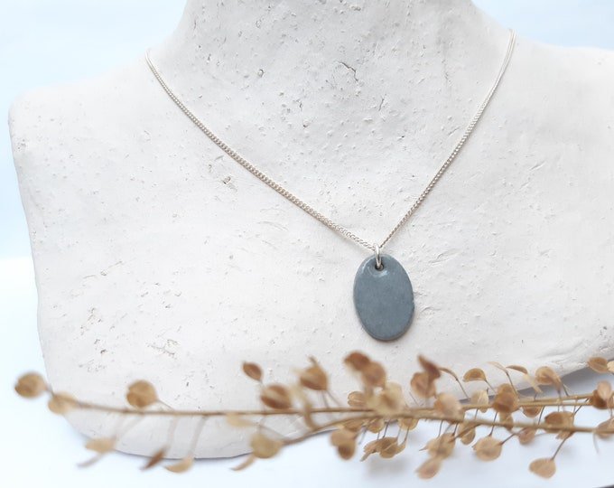 Grey oval porcelainbead on a real silver short necklace