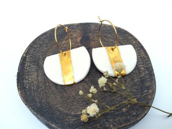 Moon-shaped white gold porcelain earrings
